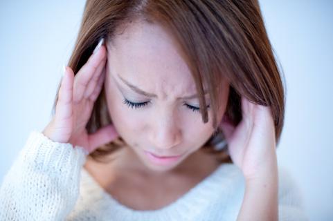 寝違えの治し方。首筋の激痛に効果があるストレッチ